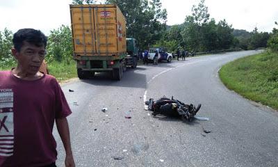Laka Lantas di Jalan Trans Kalimantan, Pengendara Motor Tewas dilokasi