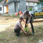 Bripka Saprin Gunawan Laksanakan Penanaman Pohon di Gedung Pramuka