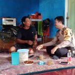Bhabinkamtibmas Sambang di Desa Binaannya