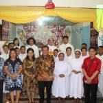 Safari Natal Bersama Umat Stasi Engkolai, Bupati Sanggau Serahkan Bantuan Beras Sebanyak Dua Ton
