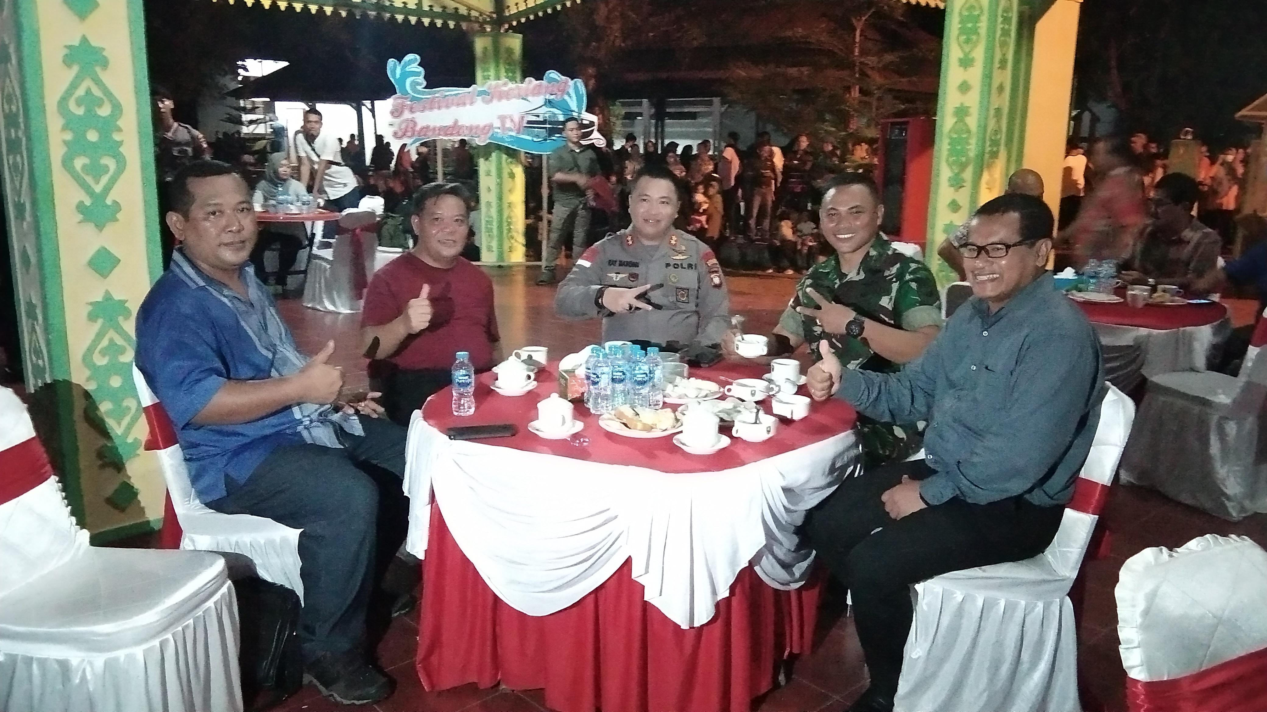 FESTIVAL KERIANG BANDONG MENGIRINGI PERGANTIAN TAHUN KAB. SANGGAU