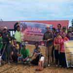 Hadirnya Bhabinkamtibmas Dalam Kegiatan Penanaman Perdana Jagung Hibrida di Kecamatan Parindu