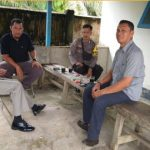Bripka Hendra Irawan Himbaukan Kamtibmas di Desa Meliau Hilir