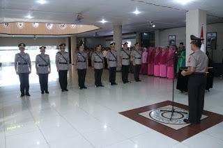 Kapolda Kalbar Pimpin Serah Terima Jabatan 3 Pejabat Utama dan Kapolres Sintang