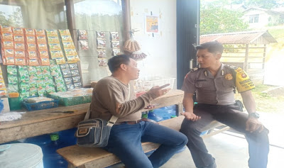Patroli di Desa Binaan Brigpol Denis Ardiansyah Himbau Jangan Percaya Berita Hoax