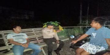 Patroli Sambang Dengan Warganya Bripka Mangun Suwarno Sampaikan Pesan Kamtibmas