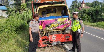 Tabrakan! Truck Versus Bus Sekolah di Tayan, Seorang Siswa Meninggal Dunia