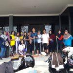 Jumat Bersih, Kadis DKP beserta Staf Membersihkan Gedung Perpustakaan Baru.