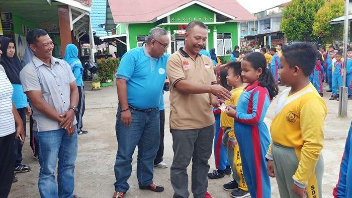 Disdukcapil Sanggau Terbitkan 290 KIA Siswa-siswi SDN 08 Sanggau