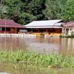 Banjir yang Melanda Noyan Berangsur Surut, Warga: Mulai Surut Turun Sekitar 30 Cm