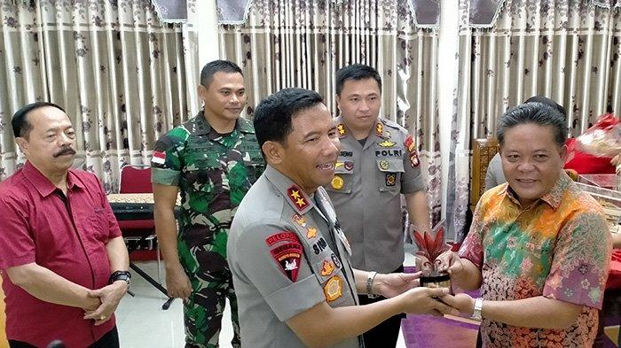 Kapolda Kalbar Silaturahmi ke Bupati Sanggau, Ini Harapan Paolus Hadi