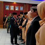 Lantik Tujuh Pejabat Eselon II di Lingkungan Pemkab Sanggau, Berikut Pesan Bupati Paolus Hadi