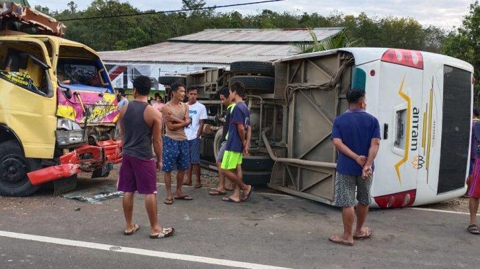 Lima Siswa Jadi Korban Kecelakaan Maut Bis Sekolah di Jalan Raya Tayan - Batang Tarang Sanggau