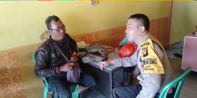 Temui Warganya di Warung Bripka Denny Irawan Sampaikan Himbauan Bijak Bermedsos