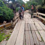 TMMD perbaiki jembatan akses utama warga Sungai Batu