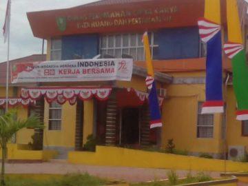 DPCKTRP Kabupaten Sanggau Menyediakan Sarana Cuci Tangan Umum dan Penyesuaian Sistem Kerja