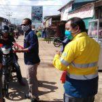 Peduli Cegah Sebaran COVID-19, PT ANTAM UBPB Kalbar dan PT ICA Gelar Pembagian Masker Gratis di Tayan
