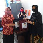 Ketua DWP RSUD M.TH. Djaman Sanggau Sumbang Masker Kain