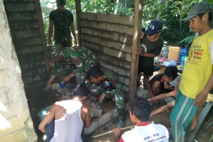 Kini, giliran Balai Dusun Jonti dibuatkan jamban