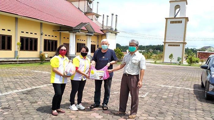 DPC ISKA Sanggau Salurkan Sembako ke Paroki dan Susteran Se-Kabupaten Sanggau