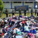 Bea Cukai Entikong Musnahkan Barang Milik Negara Berupa Hasil Tembakau dan Pakaian Bekas