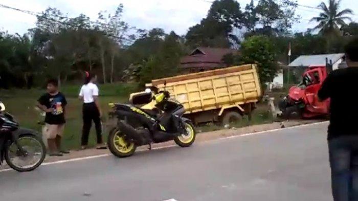 kecelakaan-lalu-lintas-antara-mobil-dump-truk-cefrvbtn.jpg
