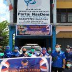 Cegah Covid-19, Fraksi Nasdem DPRD Sanggau dan Penggurus DPD Semprot Cairan Disinfektan