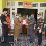Satgas NU dan Ansor Sanggau Peduli Covid-19 Serahkan APD dan Sembako