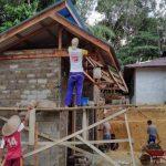 Satgas TMMD Kodim Sanggau Gotong Royong Bersama Warga Bangun Sarana Masjid Al Muttaqin