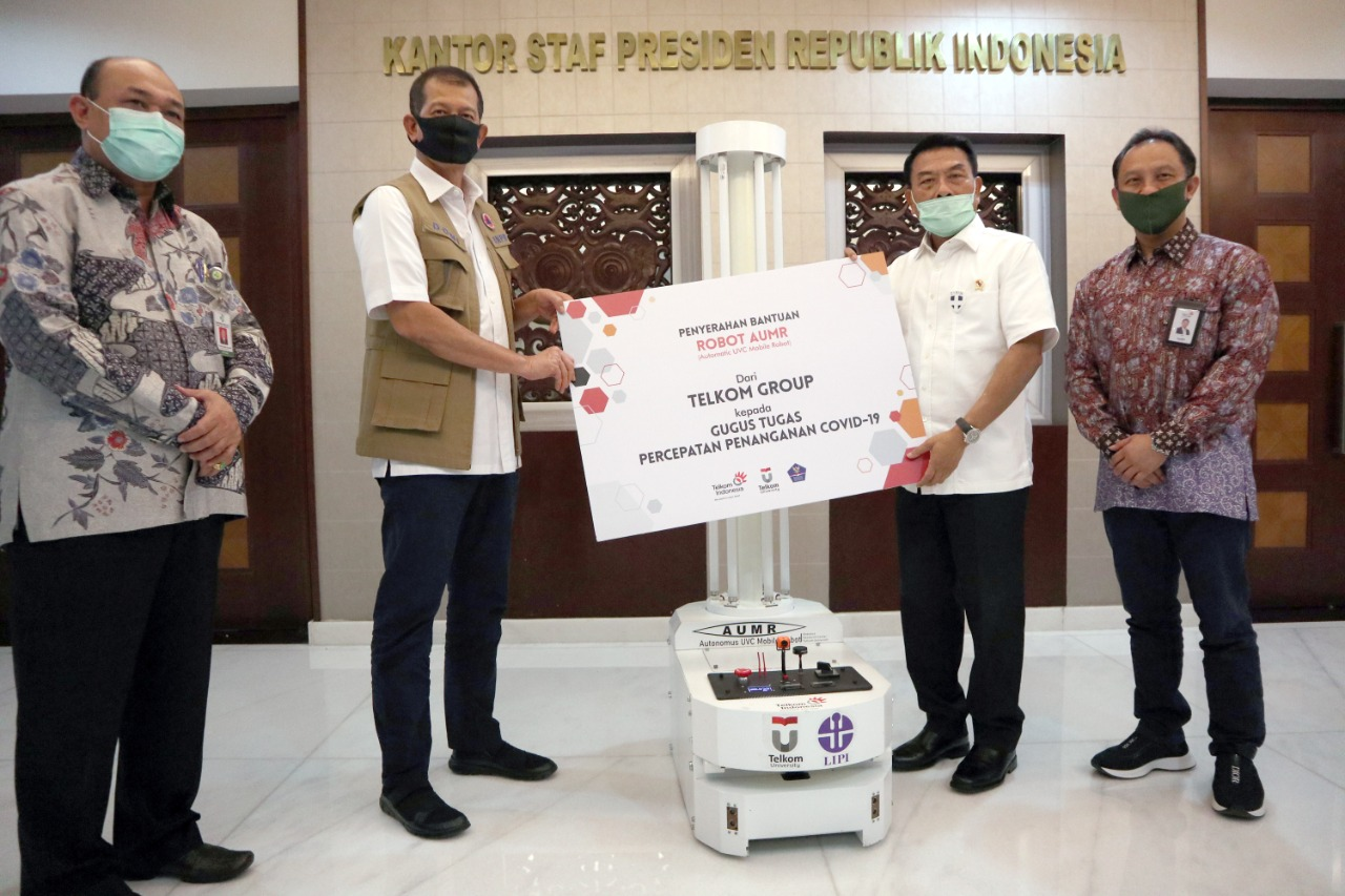Telkom Group Bantu Robot Desinfeksi dan Sterilisasi Ruang Isolasi Pasien COVID-19 - Berita Terkini
