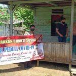 Polsek Sanggau Ledo Berbagi Pada Masyarakat Tedampak Covid-19