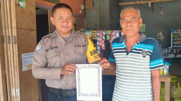 Patroli Dialogis, Bhabinkamtibmas Desa Bungkang di Sanggau Sosialisasikan Maklumat Kapolri