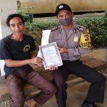 Bhabinkamtibmas Sosialisasikan Maklumat Kapolri dan Maklumat Kapolres Sanggau Cegah Covid-19