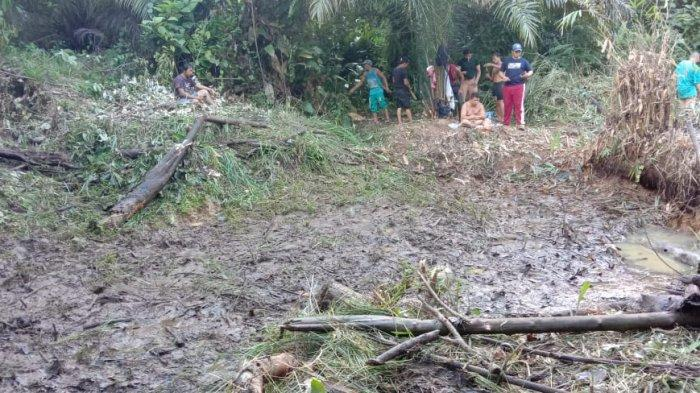 Karang Taruna Riak Sengoret di Sanggau Sulap Lahan Tidur Jadi Kolam Ikan