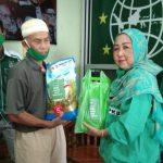 DPC dan Fraksi PKB Sanggau Bagikan 125 Paket Sembako dan Masker