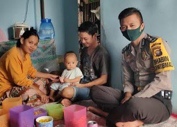 Bhabinkamtibmas Datangi Rumah Warga dan Berikan Pesan Kamtibmas