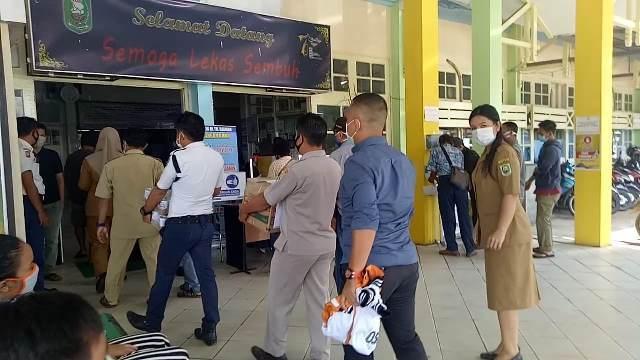 Bupati Sanggau: Ayo Beraktivitas Yang Produktif, Tapi Tetap Patuhi Protokol Kesehatan
