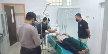 Warga Sintang terjerat tali layangan di Sanggau