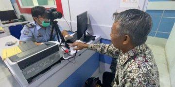 Keberangkatan Haji Ditunda, Kantor Imigrasi Sanggau Tetap Berikan Pelayanan Paspor CJH