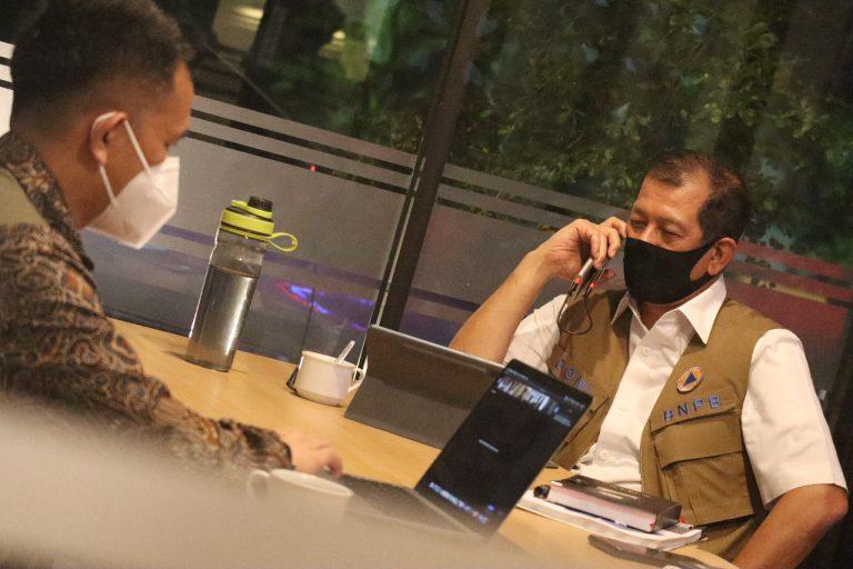Cerita Ketika Ketua Gugus Tugas Berkantor dan Rapat di Rest Area KM 360 - Berita Terkini