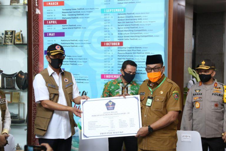Kunjungan Kerja ke Ambon, Doni Monardo Titip Pesan Kearifan Lokal dan Serahkan Bantuan untuk Tangani COVID-19 - Berita Terkini