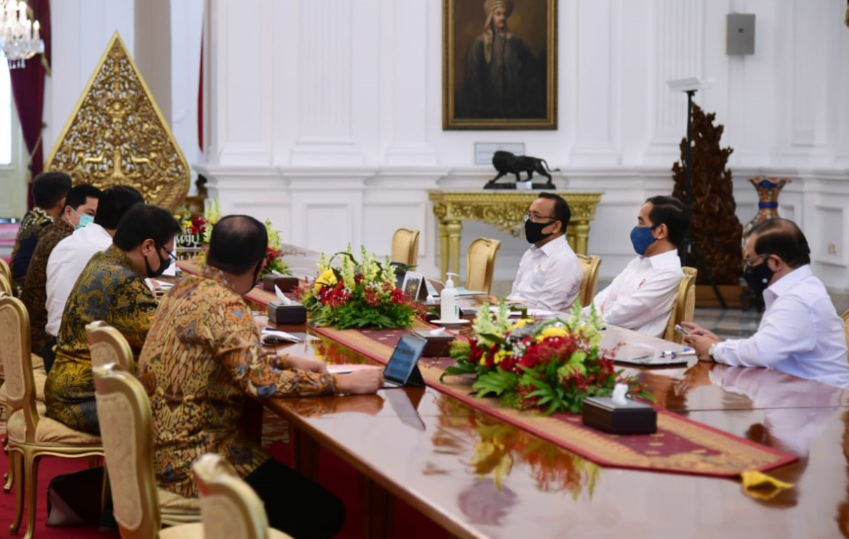 Presiden Jokowi Bentuk Satu Tim Terpadu untuk Tangani Covid-19 dan Pemulihan Ekonomi Nasional - Berita Terkini