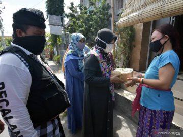 Orang Muda Katolik di batas Indonesia - Malaysia ikut jaga Shalat Idul Adha