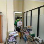 Kantor Dinas PCKTRP Kabupaten Sanggau Mendapat Giliran Untuk Melakukan Penyemprotan Desinfektan – DPCKTRP