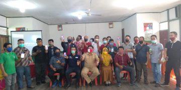 Training of Trainer (ToT) Aplikasi Desa Melawan Covid (eDMC) dan Aplikasi Human Development Worker (eHDW) di Gedung Pertemuan Kecamatan Kembayan