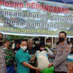 Kapolsek Sanggau Ledo Salurkan Bantuan Sembako Pada Korban Puting Beliung di Kecamatan Samalantan