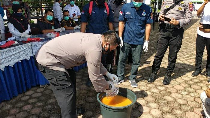 Polres Sanggau Musnahkan Barang Bukti 4,89 Kg Sabu dari Dua Kasus Berbeda
