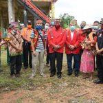 VIDEO: Bupati dan Wabup Sanggau Tanam Pohon di Kompleks Rumah Betang Raya Dori Mpulor