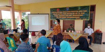 Kodim 1208/Sambas Apresiasi Satgas TMMD 108/SKW Beri Penyuluhan Kesehatan Tetang KB di Sanggau Ledo