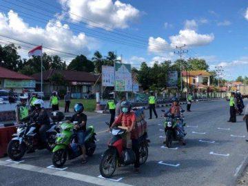 Satlantas Polres Sanggau Bersama Dishub Buat RHK Bagi Pengendara di LampuMerah